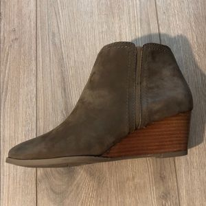SALE⚡️ Brown Wedge Wera Booties from Franco Sarto